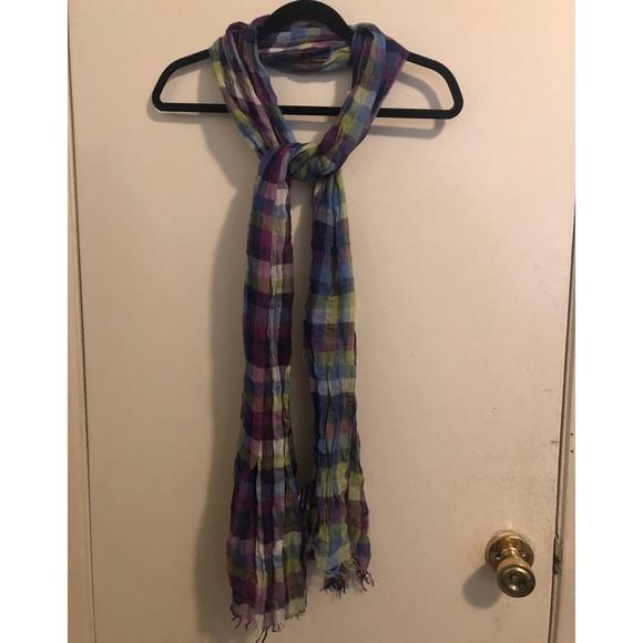 Multicolored scarf